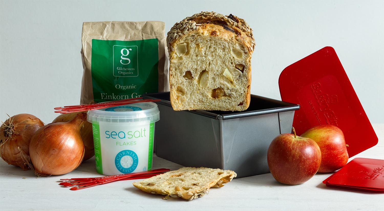 Somerset Farmhouse Loaf: Onion, Apple & Cheddar Sandwich Bread