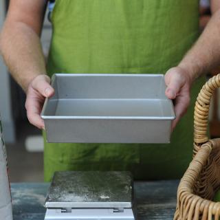 "Professional Glazed 9"" Square Cake Tray"