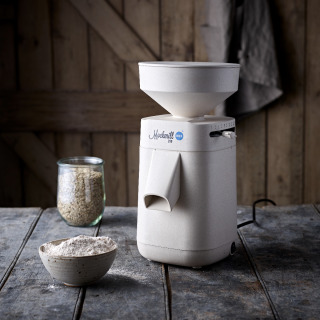 Mockmill 200 - with FREE Grain worth up to £23