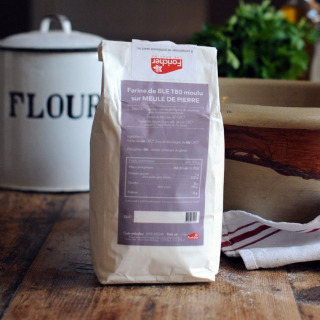 Farine de meule CRC T80 (Stoneground French T80 Flour)